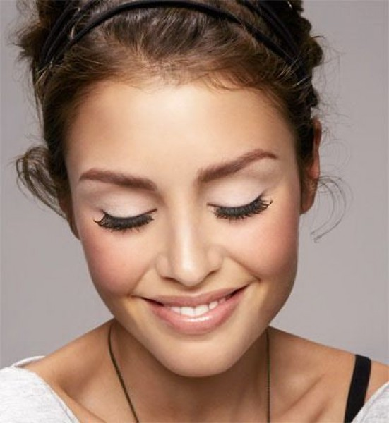 natural_eye_with_glam_lashes_natural_lips_prom_look.jpg